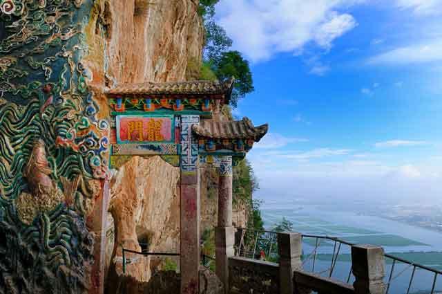 龙门-曾国海.jpg